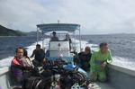2010_tokashiki boat divers.JPG